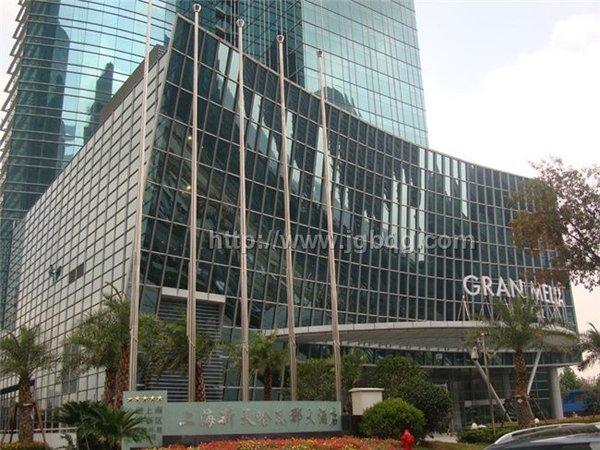 上海新天哈瓦那大酒店12米电动旗杆案例