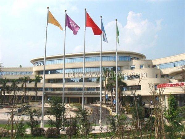 广州香雪制药厂13米旗杆案例